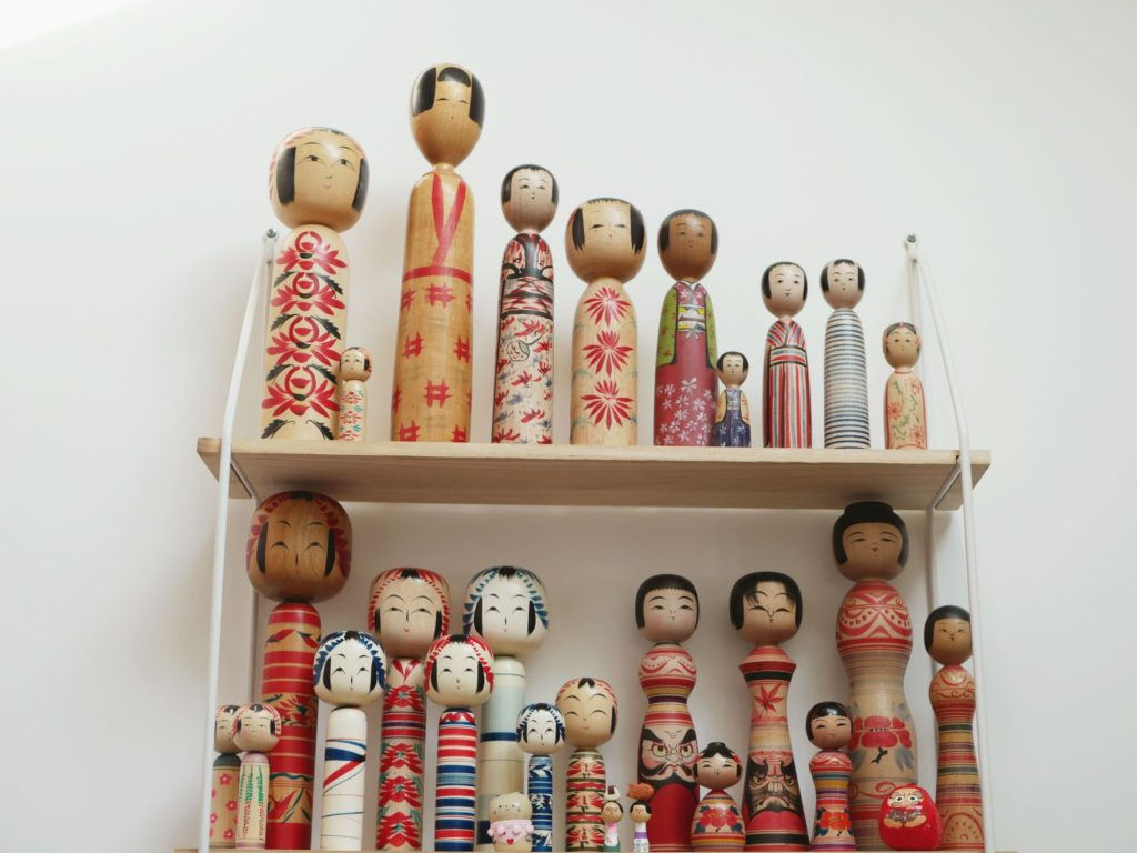 kokeshi traditionelles styles
